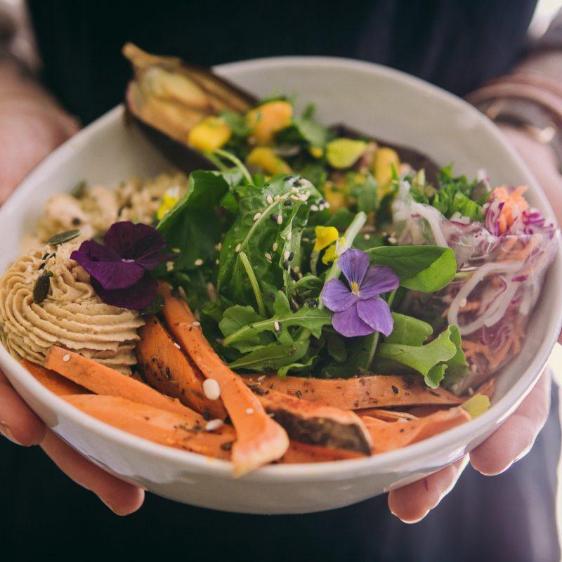 cuisine vegetale et sans gluten fleurs Joy Healthyfood restaurant montpellier