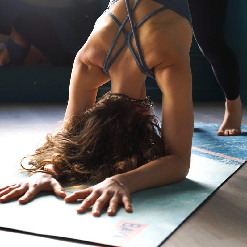 posture joy yoga studiodeyoga montpellier4